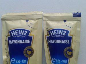 Giải mã các con số ghi trên tương cà nổi tiếng của Heinz